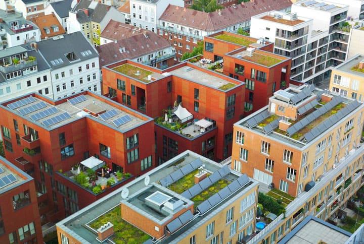 Ansicht eines Immobilienkomplex von oben