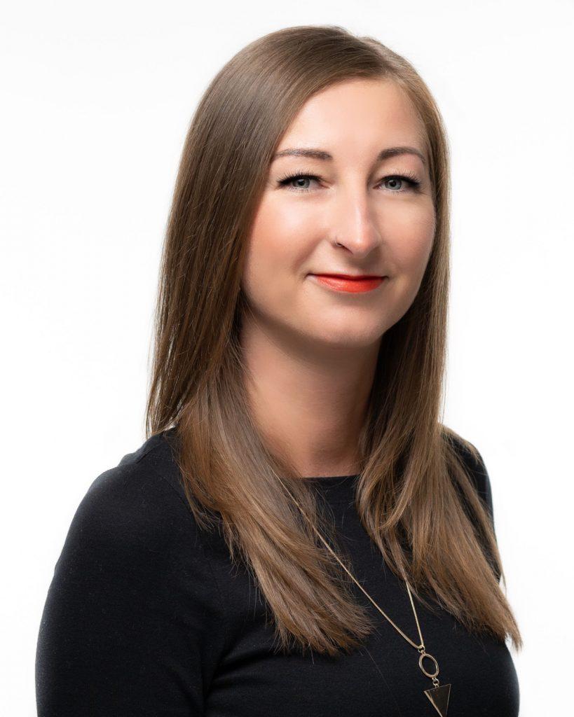 Claudia Schiefler