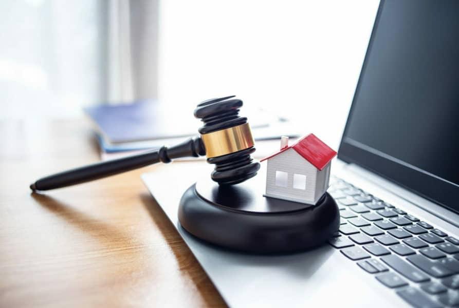 Hausversteigerung-verkauft-immobilie-hammer